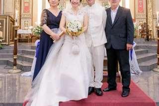 Preloved Trumpet Cut Wedding Gown