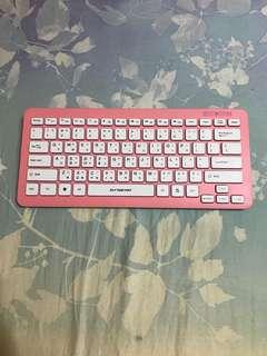 🌹近全新B.Friend 粉紅可愛藍芽無線孤島式鍵盤