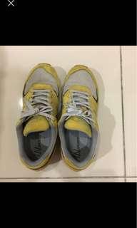 🚚 La new 運動鞋 24.5