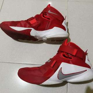 Nike Lebron Soldier 9 Size 12US
