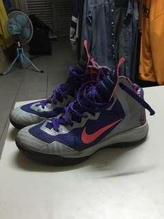 Nike籃球鞋