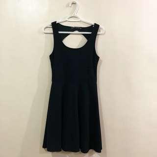 petit monde black dress