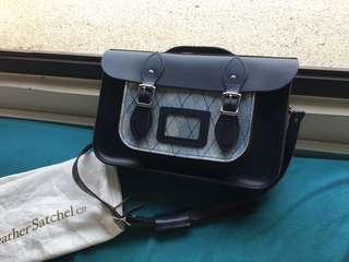The Leather Satchel 拼色藍色劍橋包