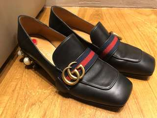 Gucci faux pearl leather pumps