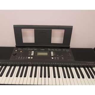 Looking for a good keyboard? Yamaha Digital Keyboard PSR343