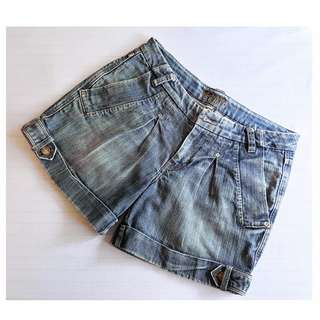 Karen Millen Denim Blue Faded Cuffed Stretch Shorts SZ 38  SZ 8 #karenmillen #jeans #faded  #cargo indigo