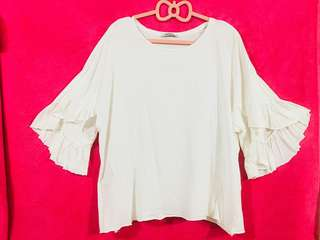 Zara Trafaluc White XL Blouse w/ Sleeves details