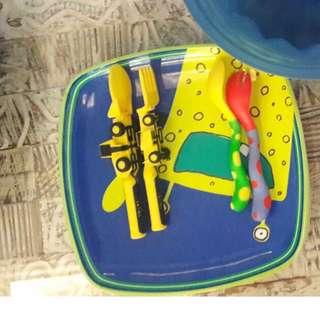 2 sets of baby utensils