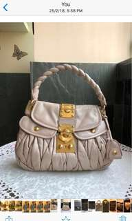 SALE ! @$1200. 💯 Authentic Miu Miu , Pink Matelasse Coffer bag. Good condition inside n out. Retail @$2500