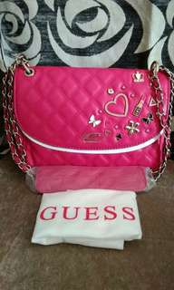 GUESS QUILTED WINTER COLLECTION