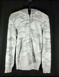 Uniqlo camouflage zipper hoodie