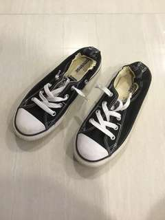Converse Shoes ( Preowned )