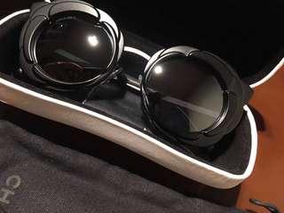 Chanel 山茶花 鏡面 黑色太陽眼鏡 * 特別款 *