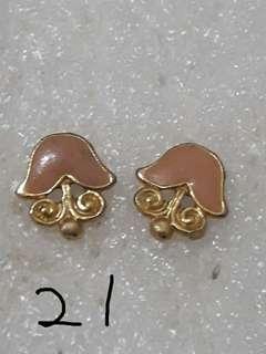 29元專區  共有48款各式精美小耳環 21~30號