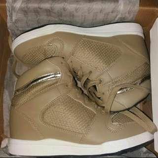 World Balance Beige High Cut High Heeled Sneakers