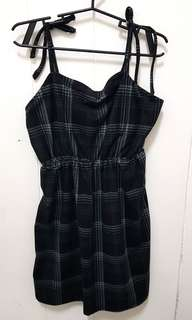 Self tie plaid dress