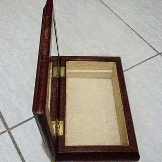 Jewelry's box wooden