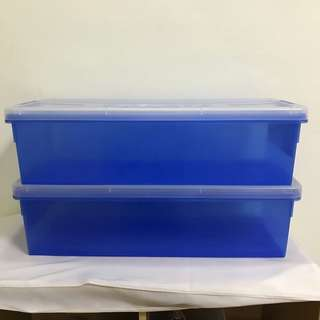 Plastic container box for comic books x2