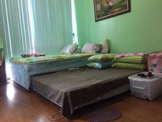 Eastwood Condo Share for FEMALES