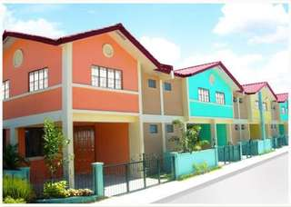 Rfo Townhouse Complete near SM Center Imus
