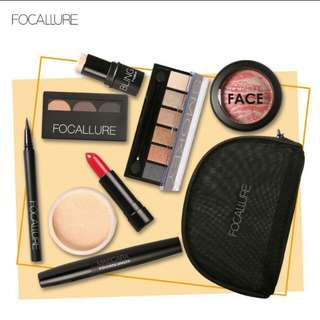 Paket focallure 8pcs Makeup kit all in one