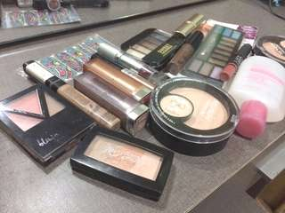 BUNDLE BRANDED MAKE-UPS