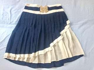 Pleated blue mini skirt