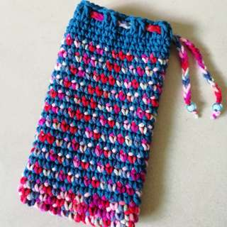 Crocheted mobile & tablet cover / pouch