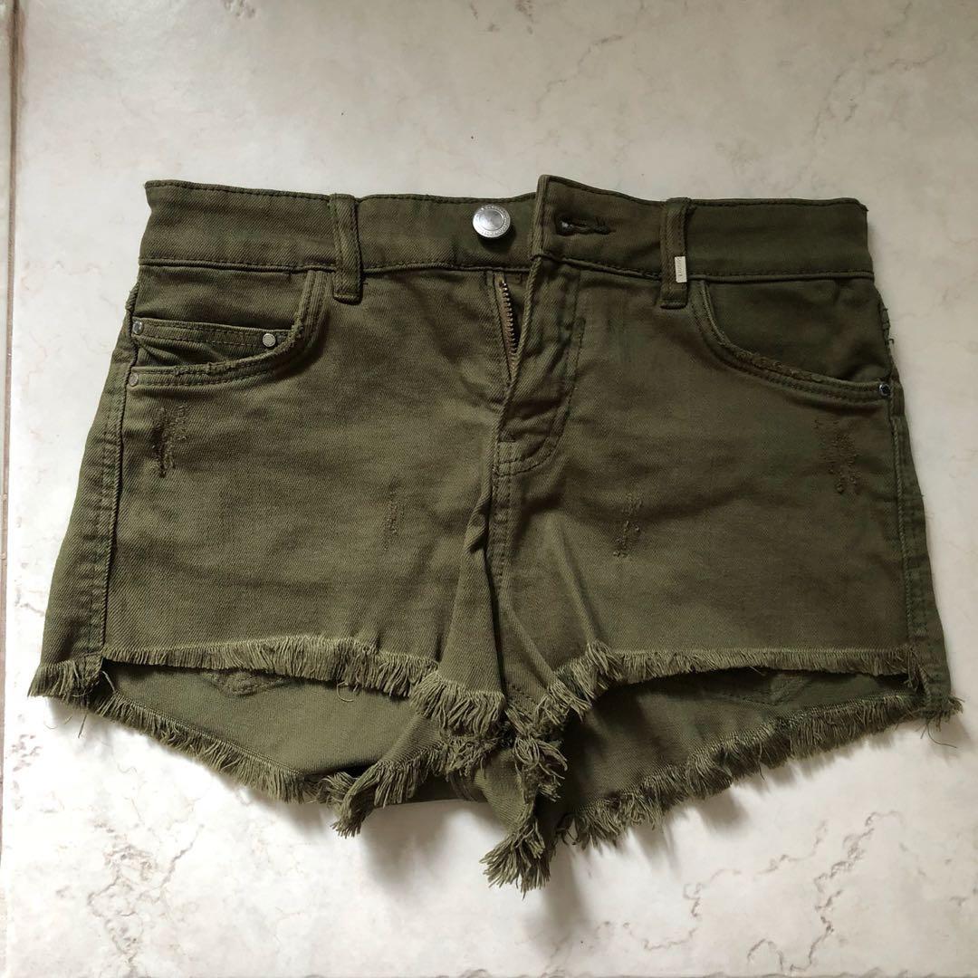 243fb4fa8d Bershka army green frayed shorts, Women's Fashion, Clothes, Pants ...