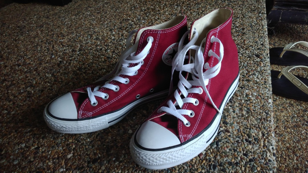Looking to Trade  Converse Chuck Taylor High Tops Maroon (Size 8 ... 32a0100c6