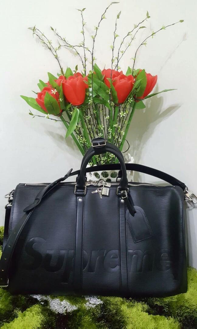 018080b89833 Louis Vuitton x Supreme Keepall Bandouliere epi 55 Black