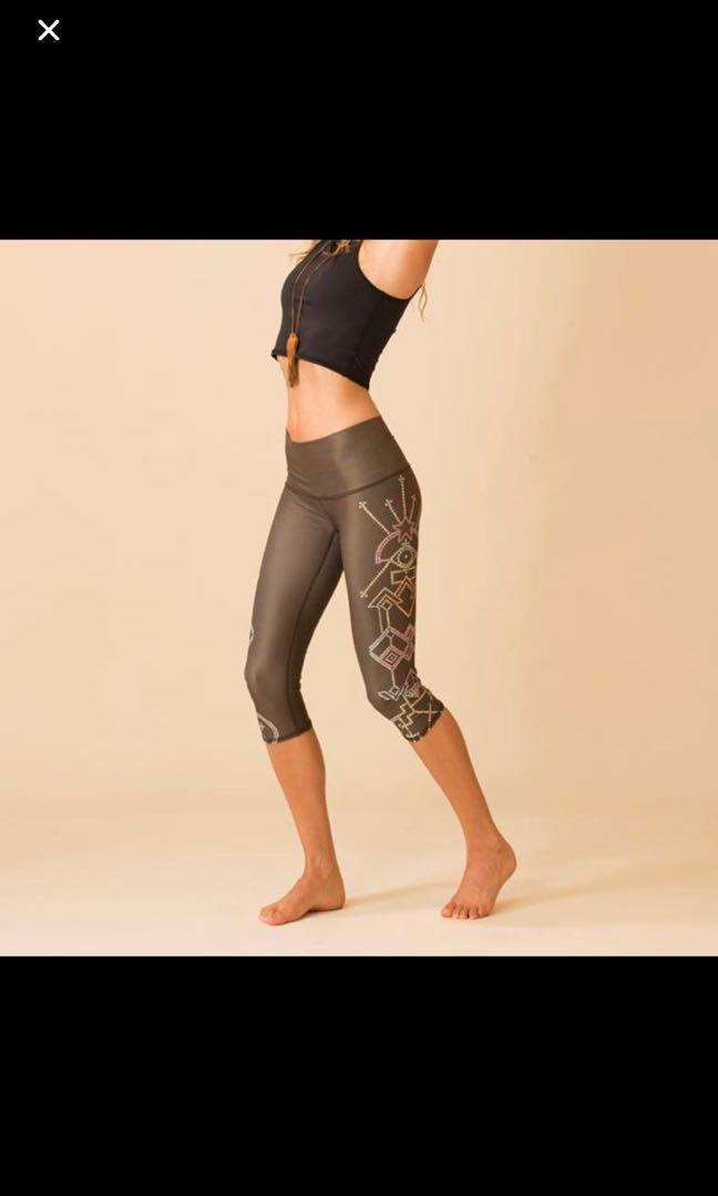 0bc562c3d2a15 Teeki Seven Crown Goddess Capri size M, Women's Fashion, Clothes, Pants,  Jeans & Shorts on Carousell