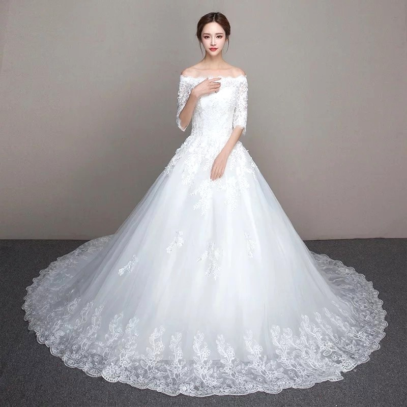 White Wedding Gown Lace embroidery dress Bridal wear beautiful ...
