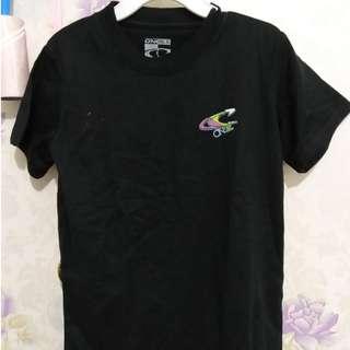 黑色t-shirt $20