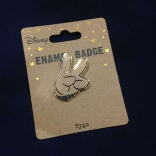 Typo Disney enamel badge