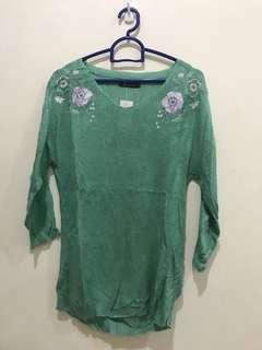 Baju rajut hijau