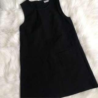 Front pockets dress