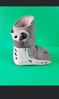 Air crast (walking boot)