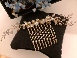 Vintage style hair accessories