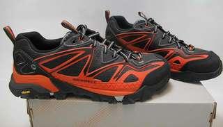 Merrell跑山鞋
