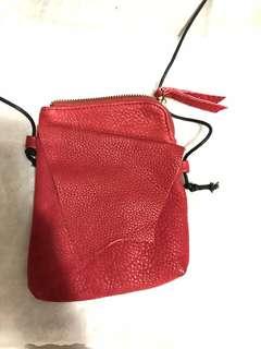 真皮斜揹袋 紅色
