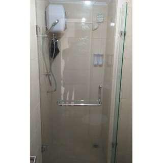 Kaca pintu kamar mandi tempered glass barang retur murah