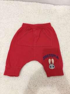 Celana pendek merah Zootopia