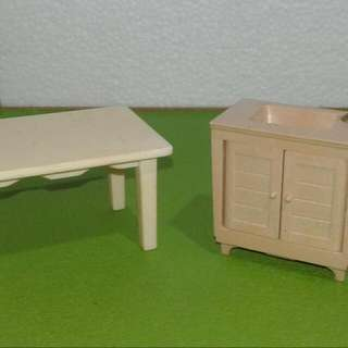 Sylvanian Families Table And Kitchen Cabinet