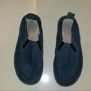 Hush Puppies Slips Ons (Size 11)