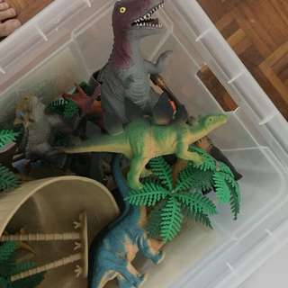 A full set of Dinosaurs world