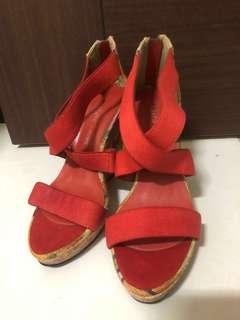🚚 紅色楔形涼鞋