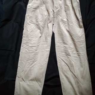 Celana chinos size 32