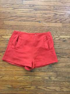Red/orange shorts S