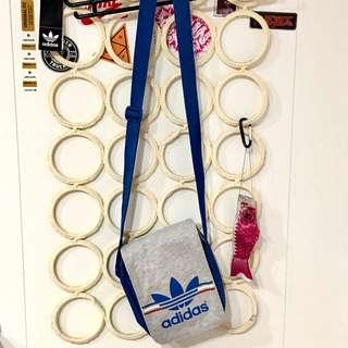 Adidas 小包